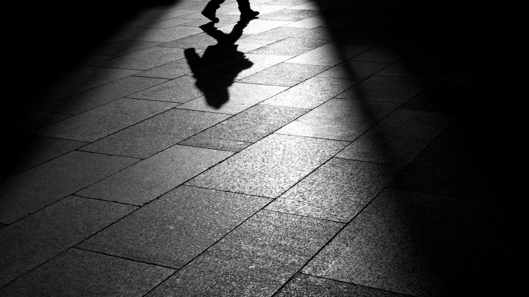Walking Fast (Black and White) Wallpapers 1280x720