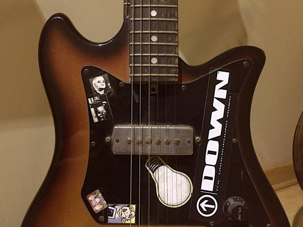 Mi guitarra dic 2016.jpg